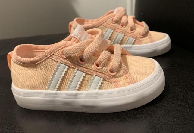 Trampeczki Adidas r. 20