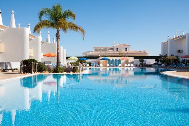 Apartamento T2 em cond com piscina na praia da galé Albufeira