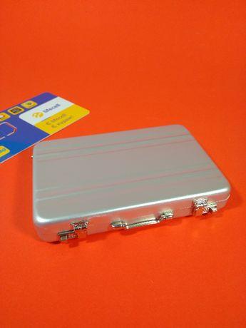 Мини визитница чемодан на подарок. Mini Suitcase. Мини кейс чемоданчик
