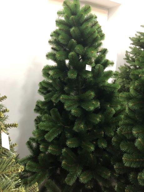 Искусcтвенная елка/ель на Новый год. Красивая, пышная елка