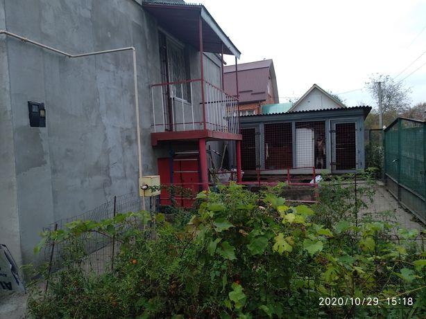 Будинок у Лезнево Власник