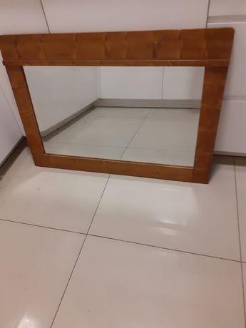 Lustro w drewnianej ramie z toaletki PRL