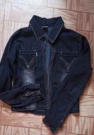 Пиджак джинсовый и кофты