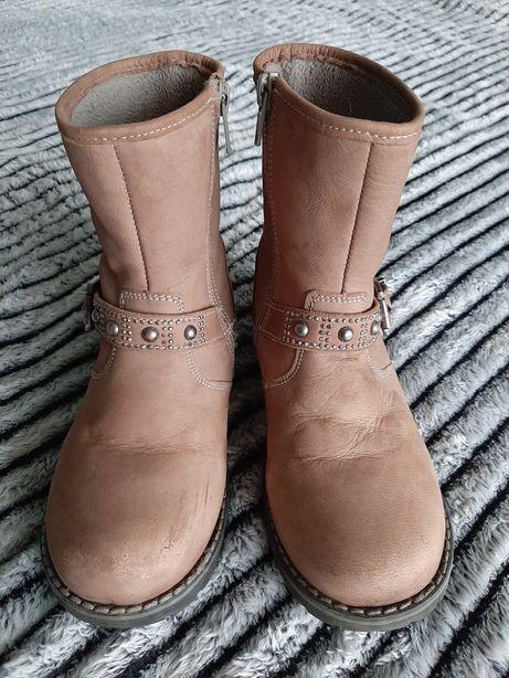 Чобітки, сапожки, чобітки (сапоги, ботинки)