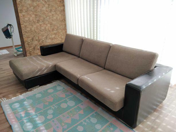 Sofá chaise longue em tecido e pele natural