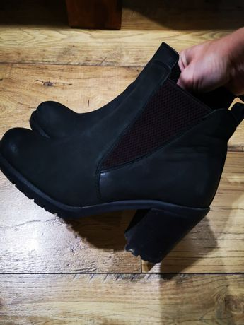 Czarne botki na obcasie Reserved rozm. 39