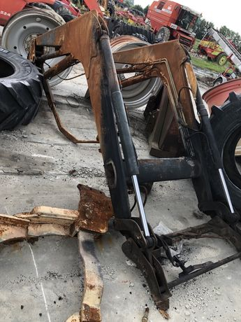 Ładowacz czołowy mccormick uszkodzony