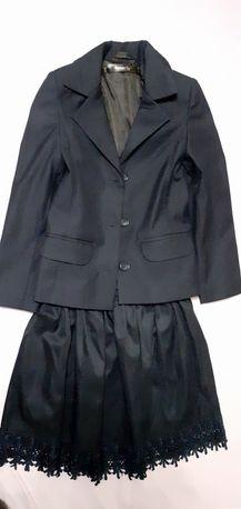 Школьная форма , пиджак из Антошки  122р, юбка 140р .