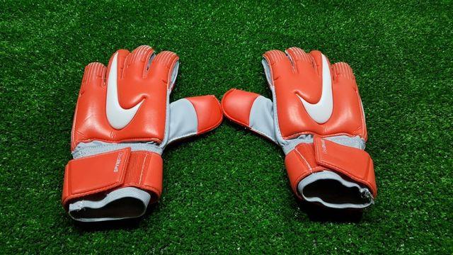 Nowe rękawice bramkarskie Nike Spyne Pro r 8
