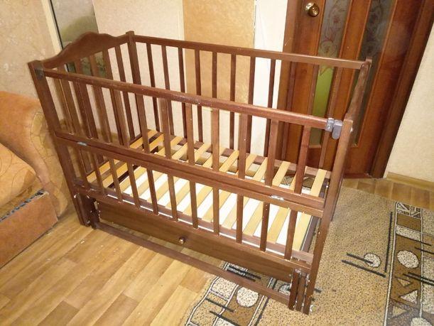 Кровать с маятниковым механизмом. Кровать маятниковая.