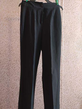 Штаны и юбка из классической школьной формы