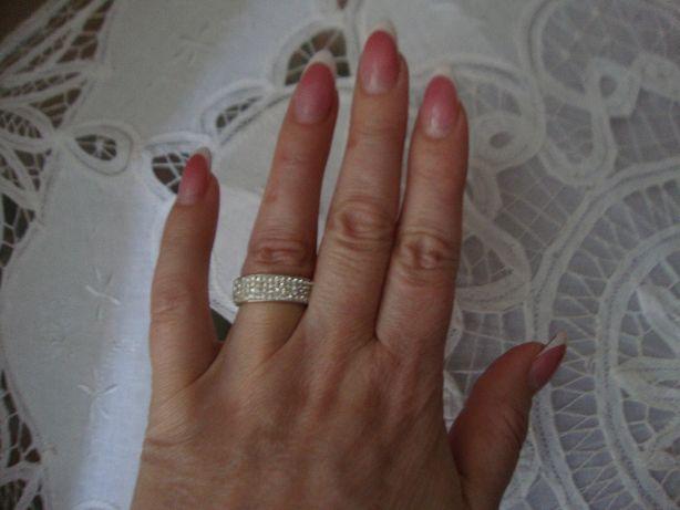 Кольцо серебро Сваровски.