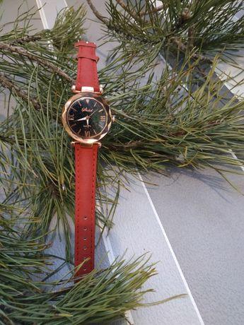 Красиві жіночий годинник, бордовий