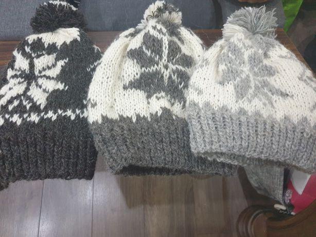 czapki z owczej welny