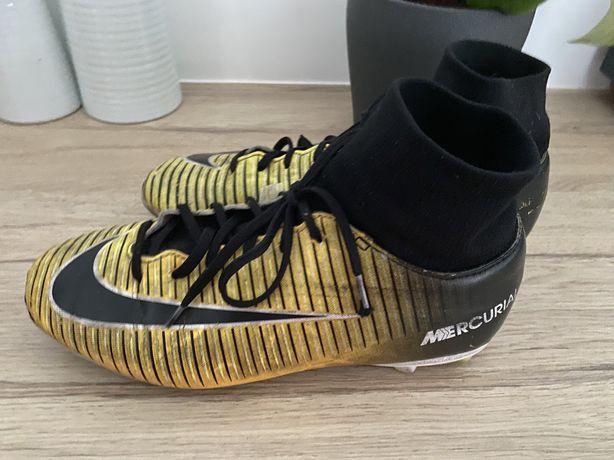 Chuteira bota Nike