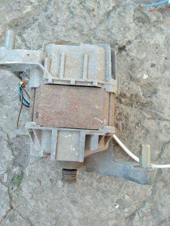 Электродвигатель стиральная машинка автомат BOSH