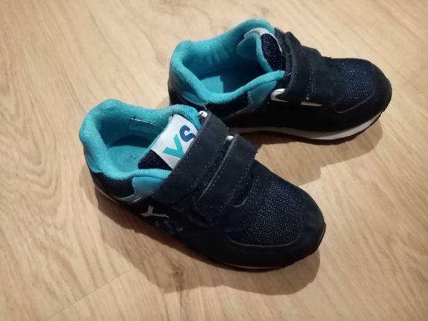 Buty dla chłopca rozmiar 28 dwie pary