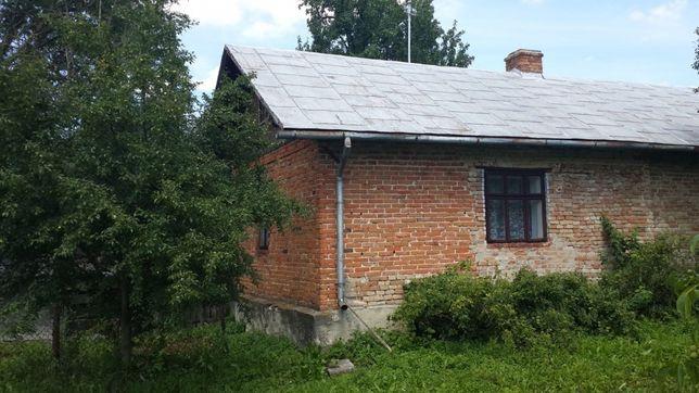 Продається будинок та земля у Буському р-ні,разом 12 соток.