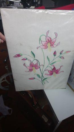 Antigo quadro Floral bordado nunca usado