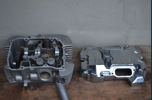Honda VTX 1800 GŁOWICA tylna POKRYWA zaworowa
