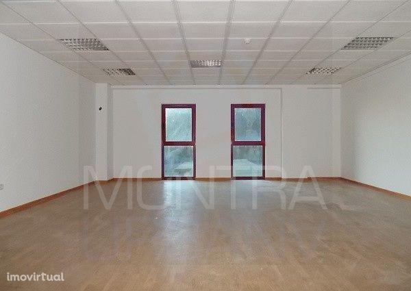 ESCRITÓRIO (59 m2) - 4º Andar, Sala 406 - TORRE BRASIL - JUNTO ao PARQ