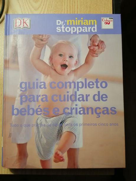 """Livro """"Guia completo para cuidar de bebés e crianças"""""""