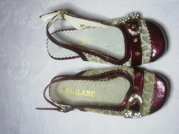 Черевики для дівчинки. Туфли для девочки.