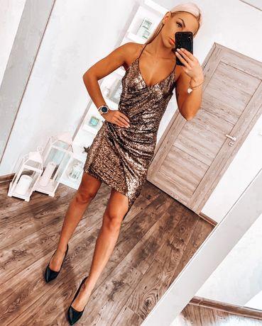 Cekinowa sexy mini sukienka z dekoltem asymetryczna wyszczupla na rami