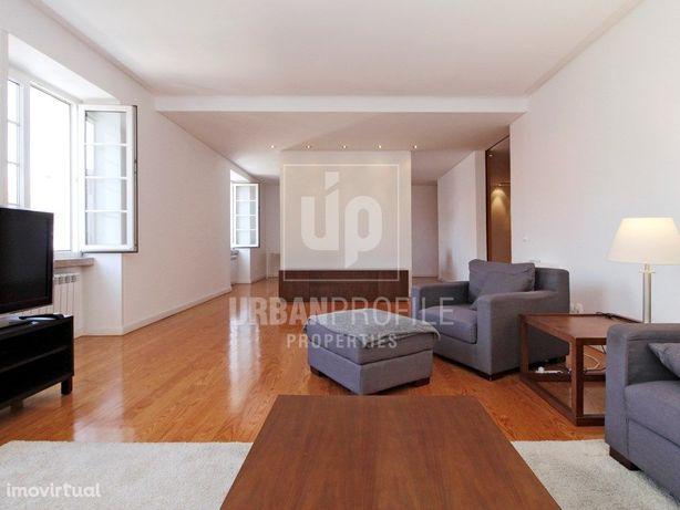 Apartamento T5+2 Duplex para arrendar em Lisboa