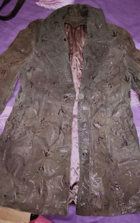 Куртка с лазерной кожи.
