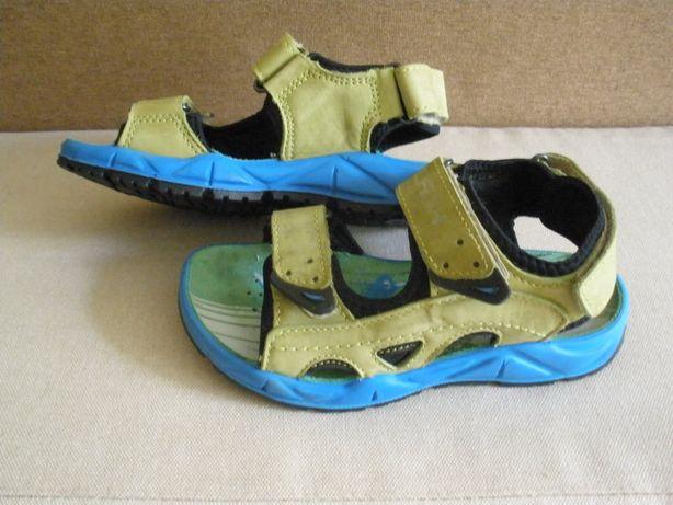 Фирменные сандалии FLASH 32 размера