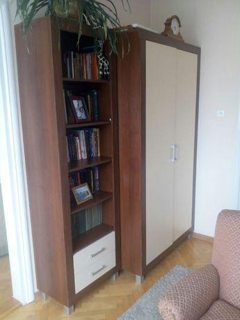 komplet mebli meble komoda szafa regał dywan sofa kanapa lampa lampka
