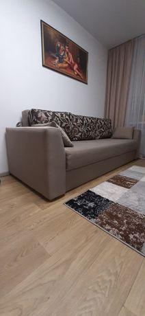 Продам якісний сучасний диван.