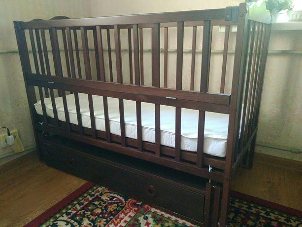 Продам детскую кроватку, матрас и комод-пеленатор
