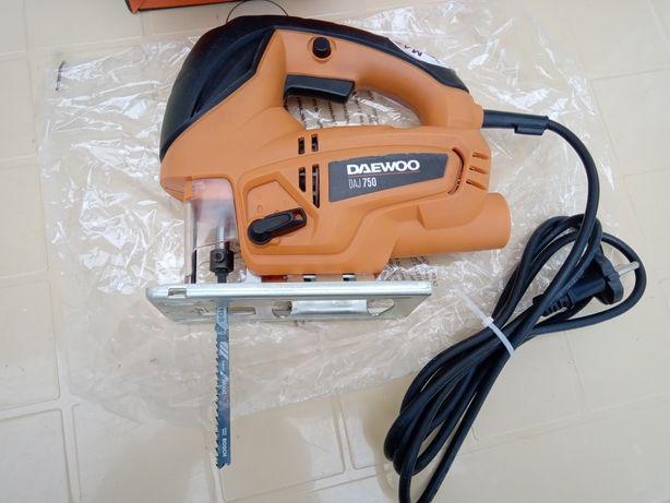 Новый электролобзик Daewoo
