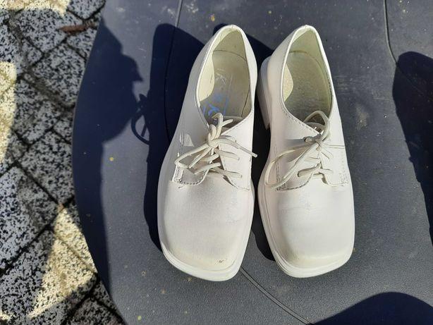 Buty komunijne białe