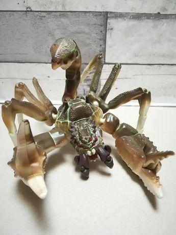 Skorpion - ruchomy ogon i inne części.
