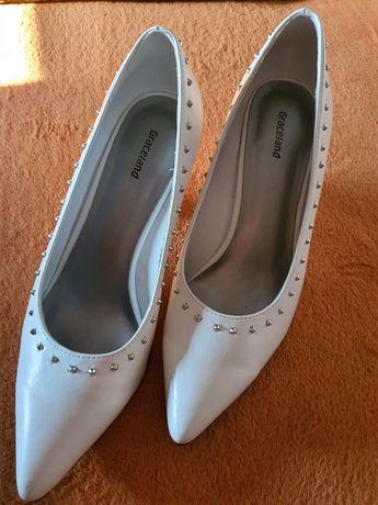 Szpilki białe półbuty na obcasie Graceland rozmiar 39