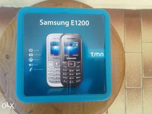Telemóvel Samsung E1200