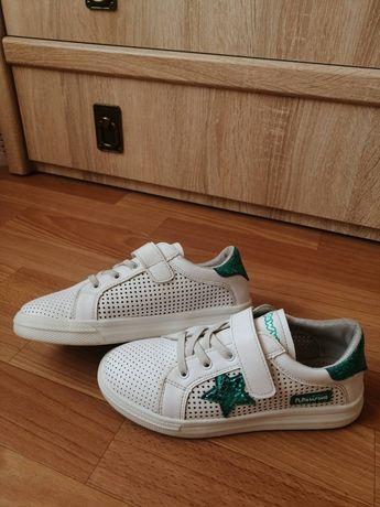 Стильні кросівки для дівчинки