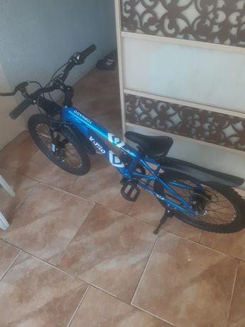 Продам велосипед подростковый.