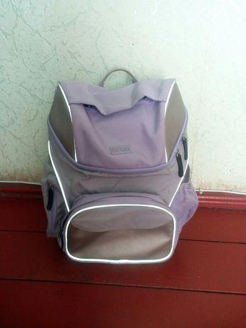 Школьный фирменый рюкзак