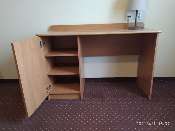 Biurko - wygodne i funkcjonalne