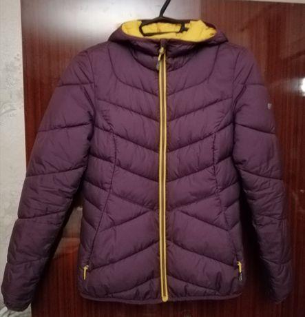 Продам - Куртка женская, размер S