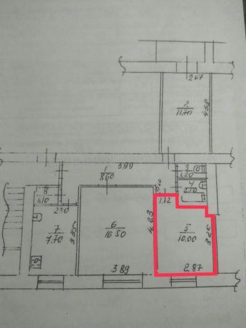 Продам комнату в трехкомнатной квартире
