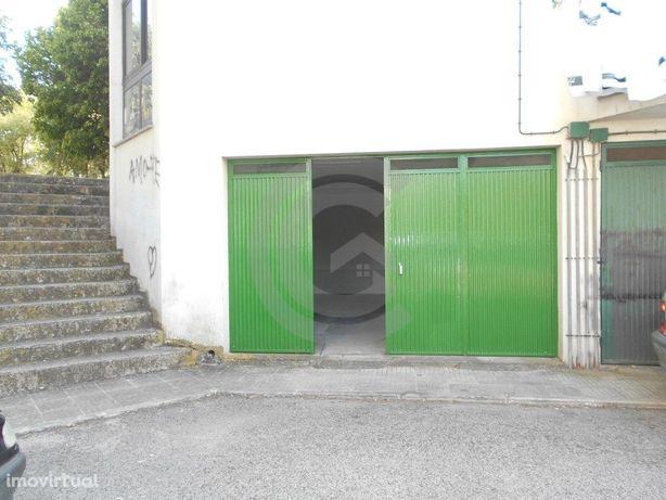 Garagem com 38 m2 - Hospital Santarém