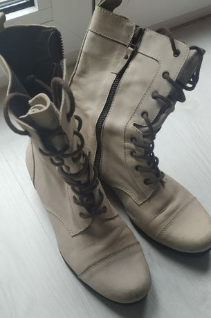 Botas estilo militar de pele