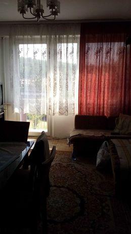 Mieszkanie w bloku Praszka, 47'm2, 3-pokojowe z kuchnią, drugie piętro