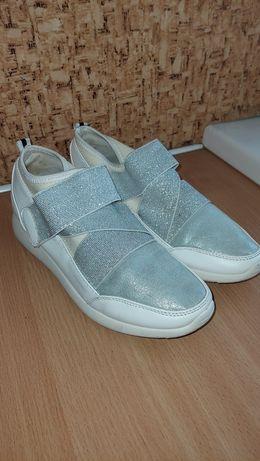 Кросівки, кеди, взуття