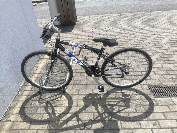 Bicicleta aro 26 btt